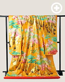 色打掛:品のある黄色が色鮮やかな打掛。