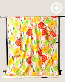オリジナル色打掛:元気いっぱいの大きな黄色やオレンジの花柄が色鮮やか。