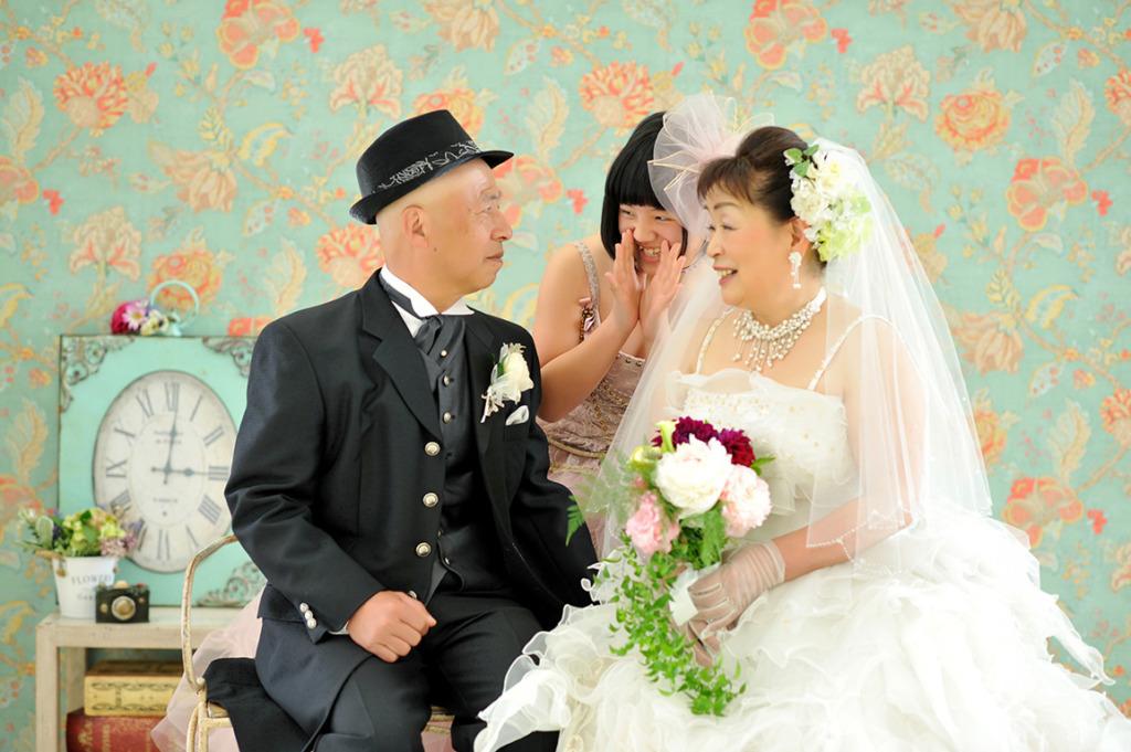 アニバーサリーウエディング(結婚記念):洋装白ドレス