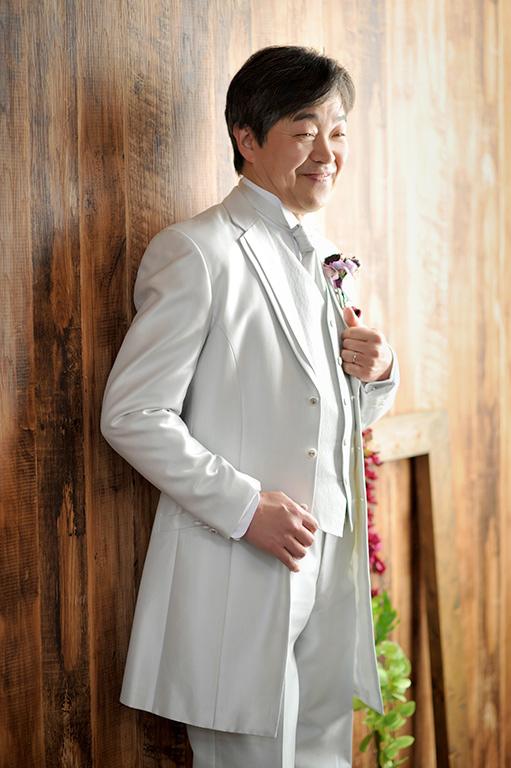 アニバーサリーウエディング(結婚記念):洋装タキシード