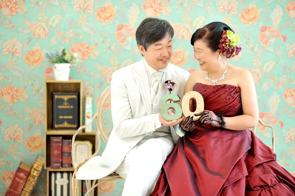 アニバーサリーウエディング(結婚記念):洋装カラードレス