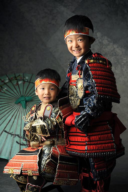 七五三家族写真:鎧兜(甲冑)/兄弟で!