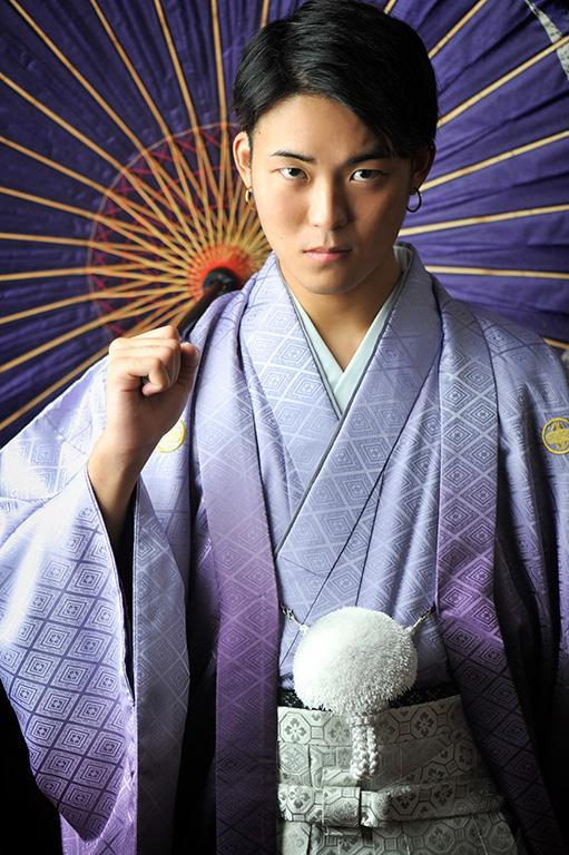 成人男性写真:羽織袴/紫