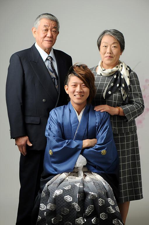 成人家族写真